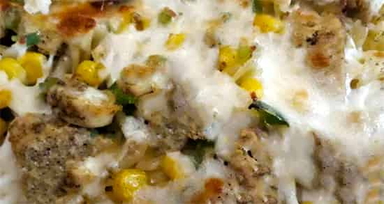 طرز تهیه ماکارونی در فر با پنیر پیتزا با روش مخصوص و مجلسی