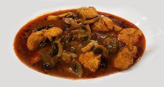 طرز تهیه خورش قارچ و مرغ اصیل خوشمزه و مجلسی زعفرانی