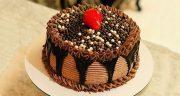طرز تهیه کیک تولد خامه ای ساده و خوشمزه خانگی با تزیین