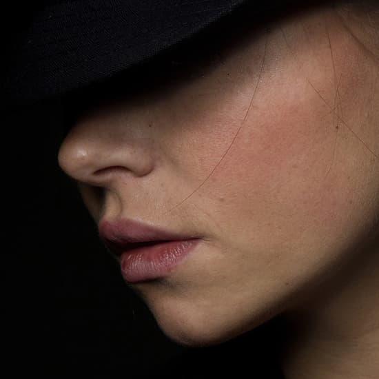 عکس پروفایل زن زیبا , عکس پروفایل خفن , عکس پروفایل کلاه دور دار