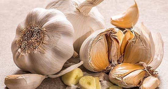 خواص و مضرات سیر ، 22 خاصیت سیر برای درمان و سلامتی بدن
