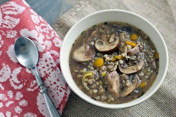 طرز تهیه سوپ قارچ و گندم سیاه خوشمزه