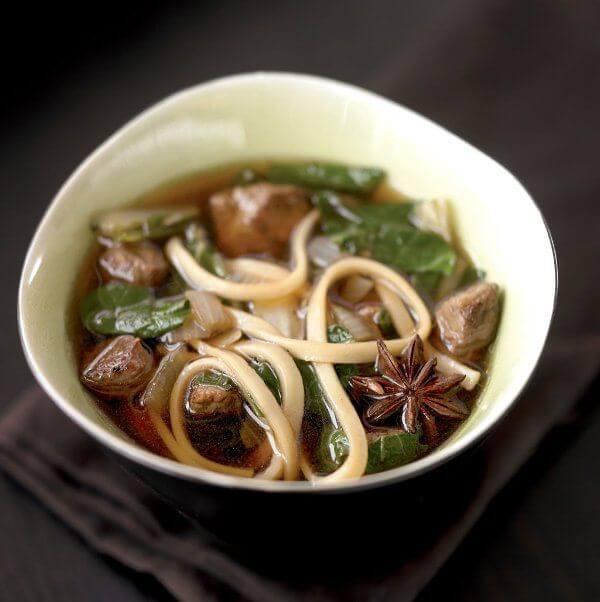 طرز تهیه سوپ نودل گوشت گاو آسیایی