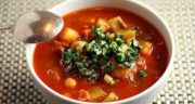 طرز تهیه سوپ لوبیا با پستو خوشمزه