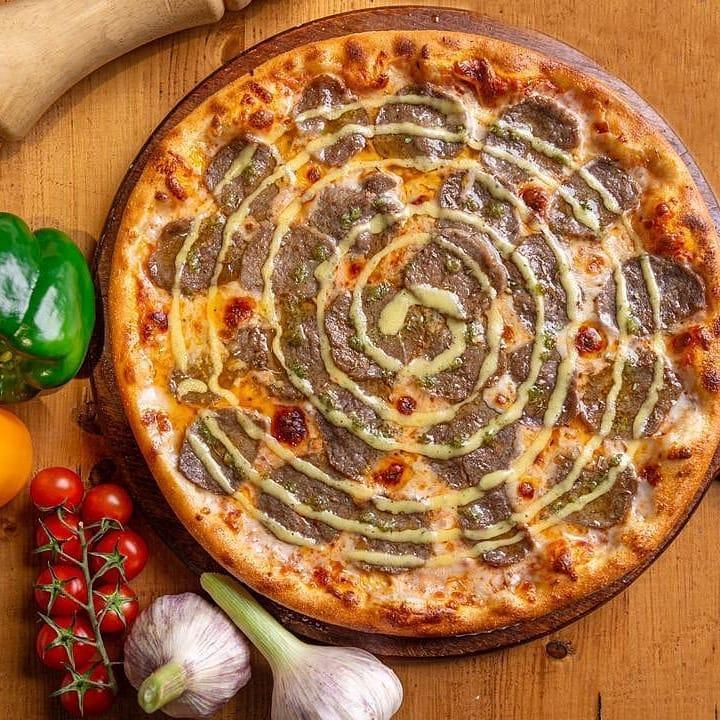 طرز تهیه پیتزا استیک و سیر خانگی و خوشمزه به سبک ایتالیایی