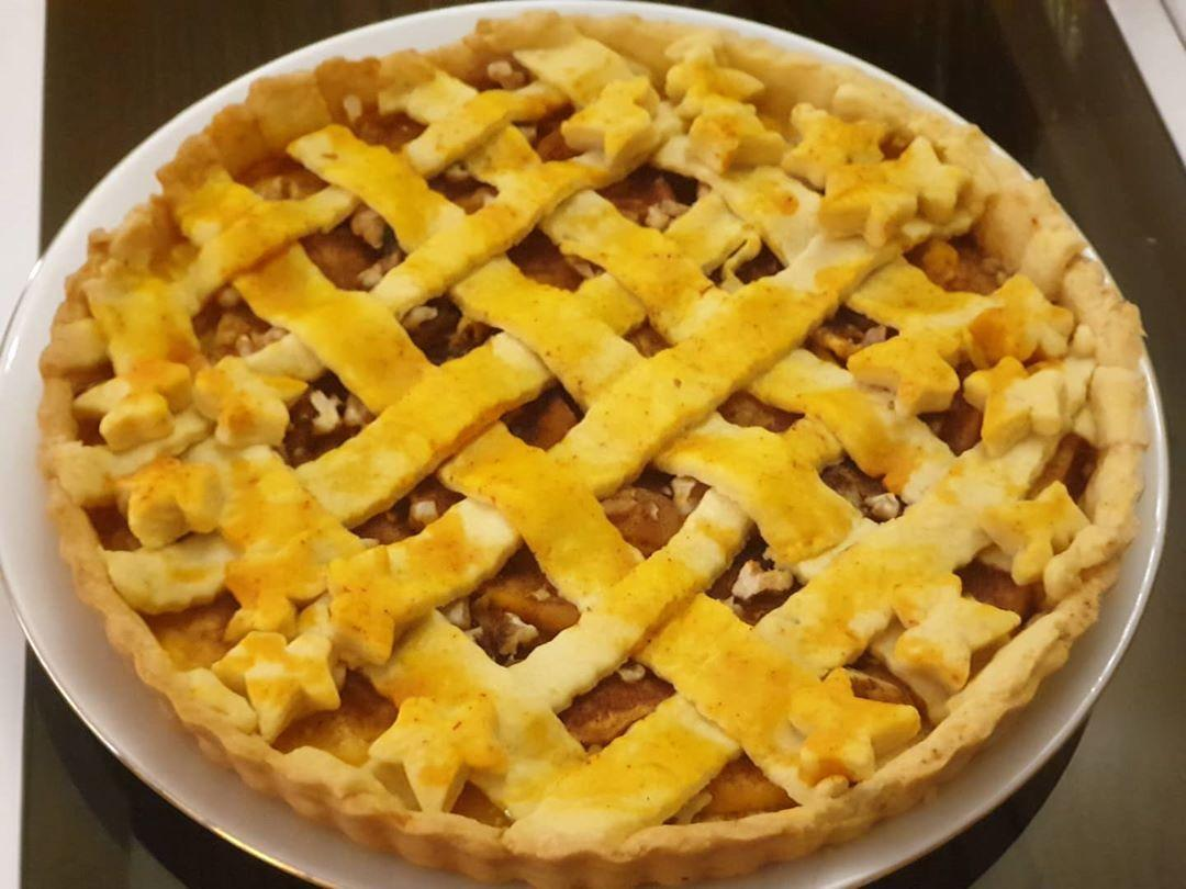 طرز تهیه کیک پای سیب خانگی و خوشمزه به روش قنادی
