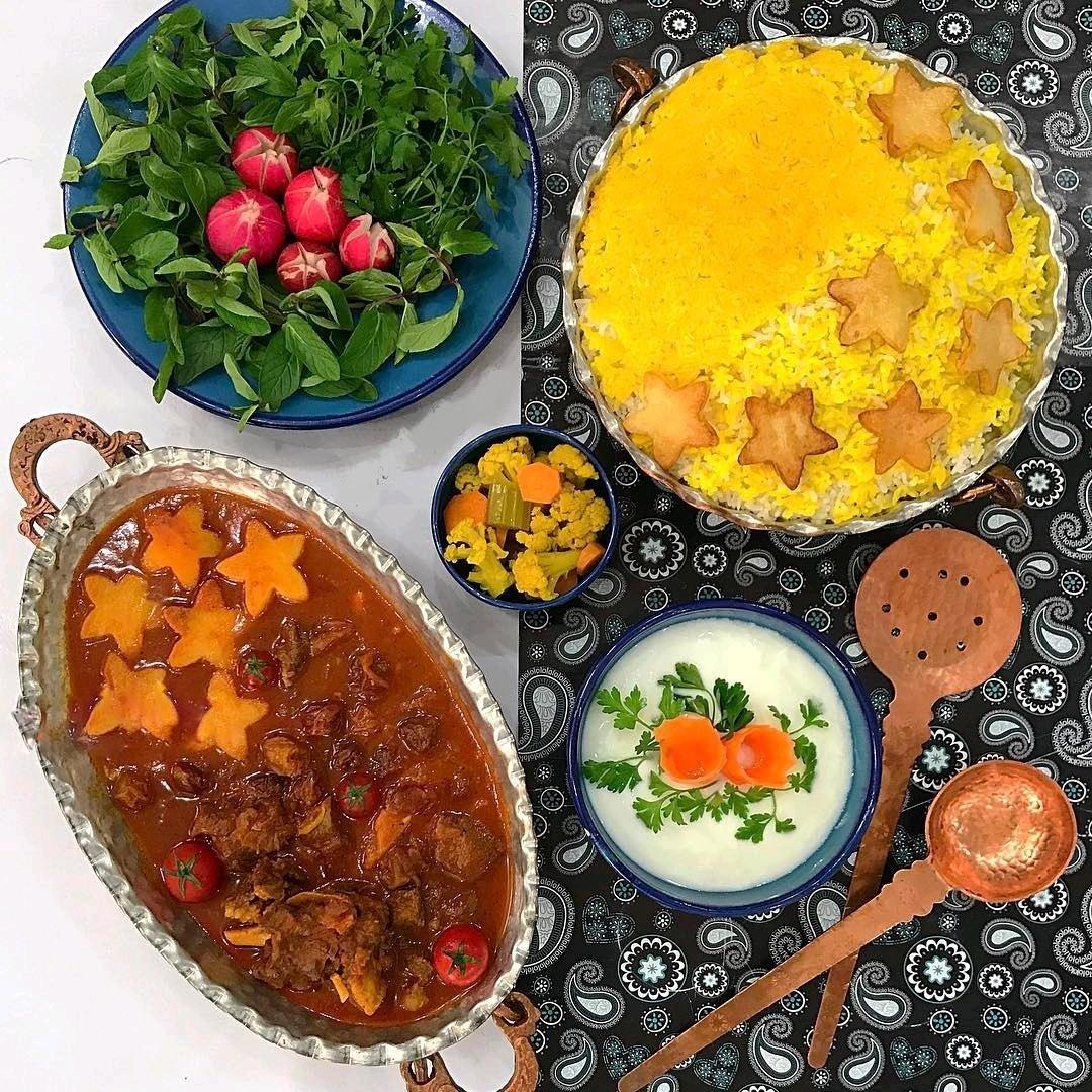طرز تهیه خورش آلو خوشمزه و مجلسی با گوشت به روش رستورانی