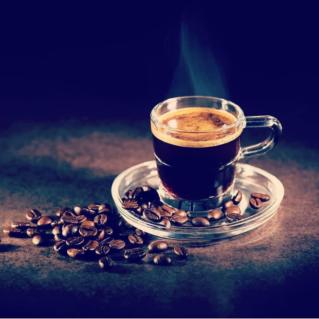 طرز تهیه قهوه اسپرسو حرفه ای با دستگاه اسپرسو ساز خانگی موکاپات