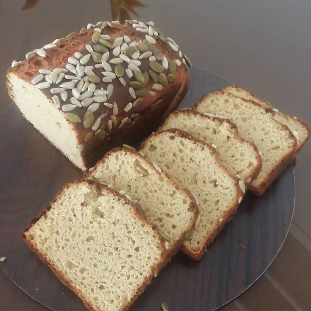 طرز تهیه نان رژیمی کتوژنیک ساده و بدون کربوهیدرات با آرد بادام