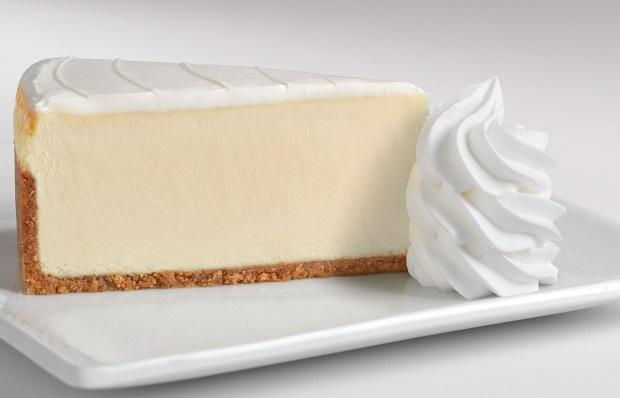 طرز تهیه چیز کیک یخچالی خوشمزه با ژله مرحله به مرحله