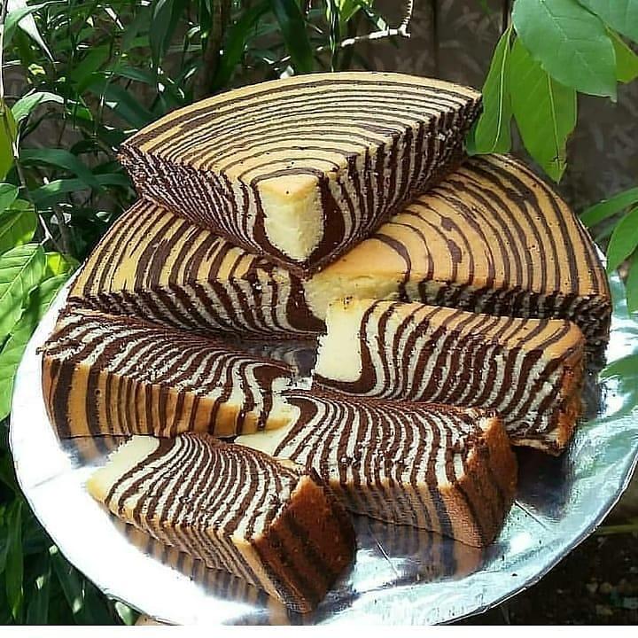 طرز تهیه کیک دو رنگ (کیک زبرا) شکلاتی و ساده خوشمزه و مجلسی