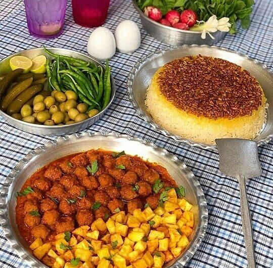 طرز تهیه قیمه ریزه نخودچی با سیب زمینی (قیمه ریزه اصفهان)