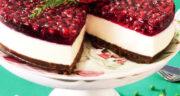 طرز تهیه چیز کیک انار خوشمزه و مجلسی برای شب یلدا با بیسکویت پتی بور