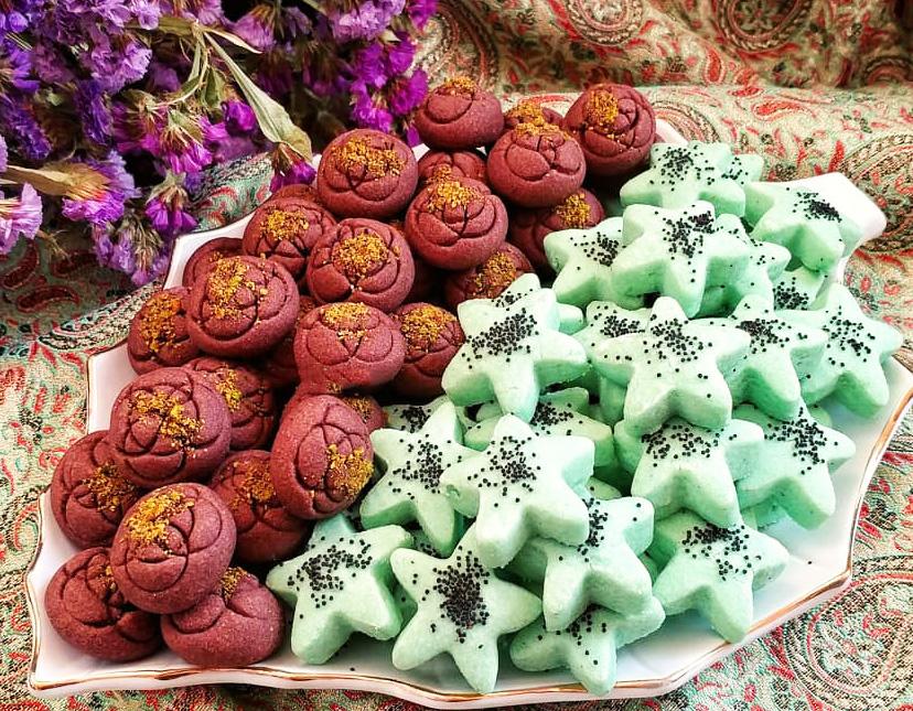 طرز تهیه شیرینی بهشتی ترد و خوشمزه و چند رنگ ویژه عید نوروز