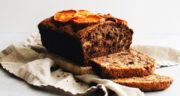 طرز تهیه کیک خرمالو خانگی خوشمزه با مغز گردو مرحله به مرحله