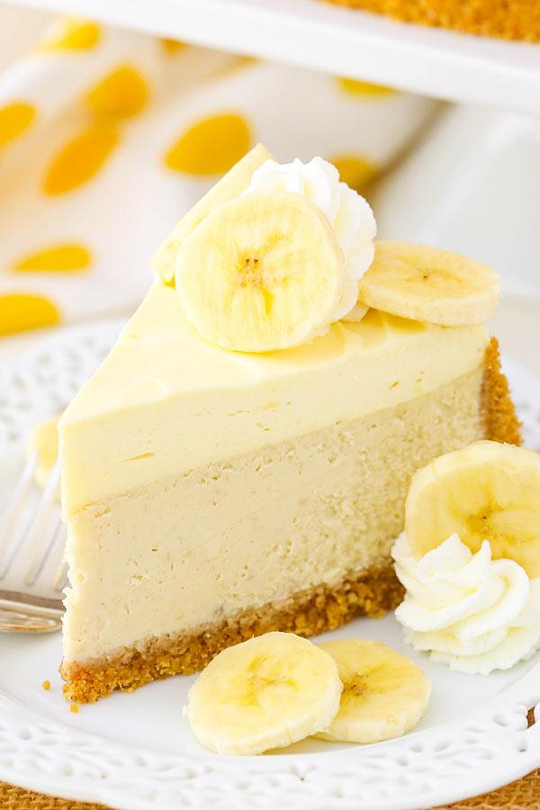 طرز تهیه چیز کیک موزی خوشمزه، ساده و مجلسی با پایه بیسکویت