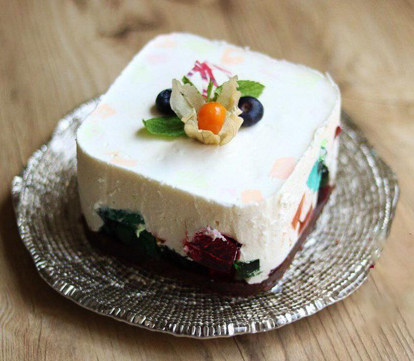 طرز تهیه چیز کیک با ژله خورده شیشه، دسر مجلسی، خوشرنگ و خوشمزه