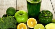طرز تهیه 3 اسموتی سبزیجات مقوی و مفید برای سم زدایی و لاغری