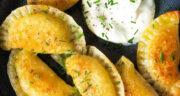 طرز تهیه پیراشکی سیب زمینی ساده و خوشمزه با خمیر به دو روش