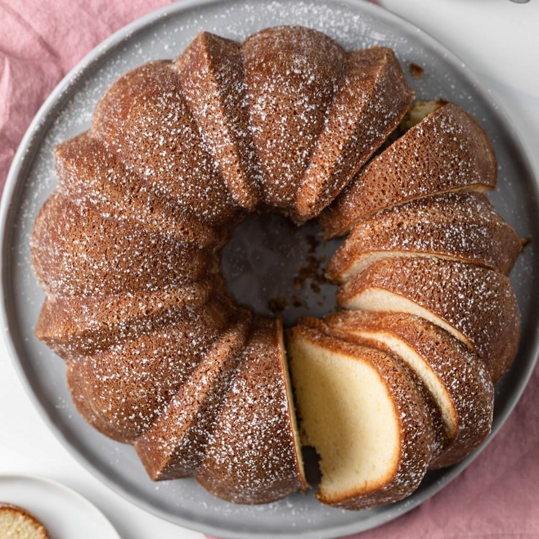 طرز تهیه پاند کیک پنیری ساده و خوشمزه انگلیسی مرحله به مرحله