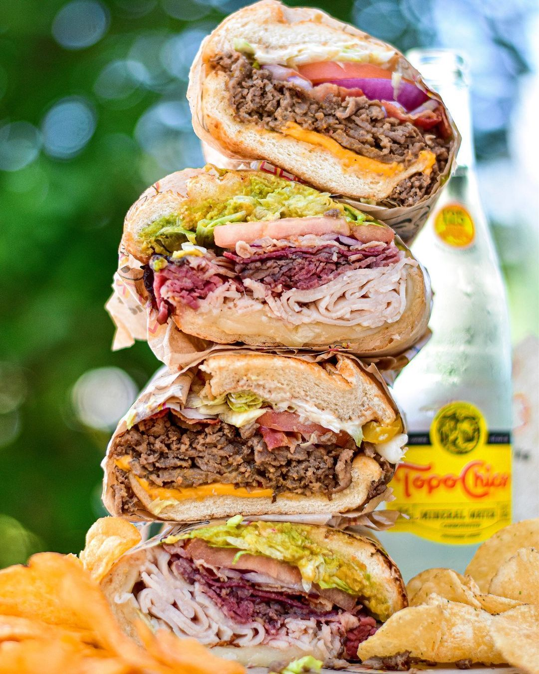 طرز تهیه ساندویچ رست بیف رستورانی خوشمزه با گوشت ریش ریش شده