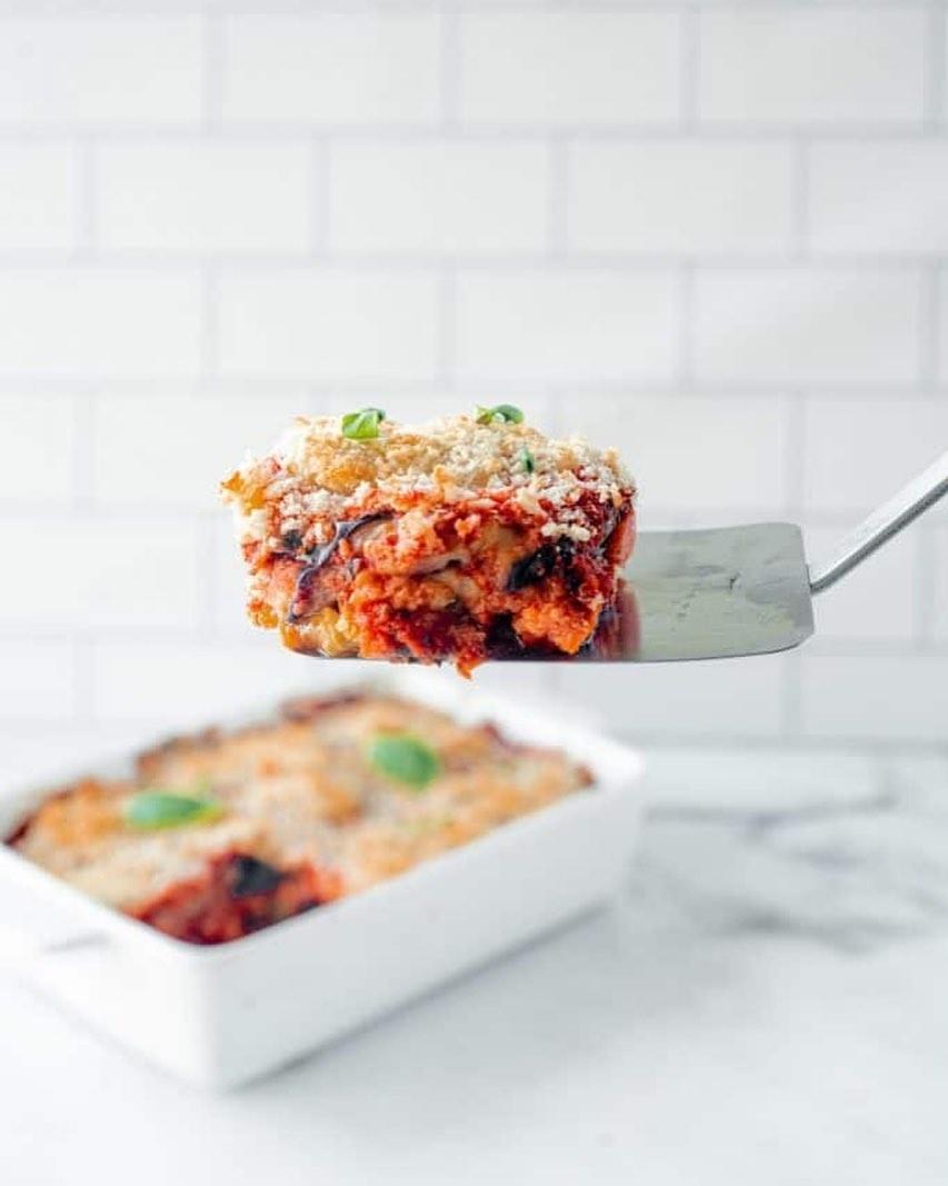 طرز تهیه بادمجان پارمسان سوخاری خوشمزه و مجلسی به روش ایتالیایی