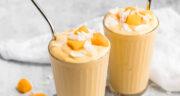 طرز تهیه اسموتی استوایی خوشمزه و مقوی با انبه و موز و آناناس