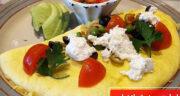 طرز تهیه املت مدیترانه ای خوشمزه و لذیذ با اسفناج و پنیر فتا