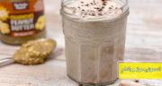 طرز تهیه اسموتی موز و بادام خوشمزه و مقوی همراه با شیر بادام