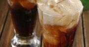 طرز تهیه ژله به شکل لیوان نوشابه پر از یخ، دسر جذاب و مجلسی