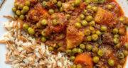 طرز تهیه خورش نخود فرنگی خوشمزه و آسان با مرغ مرحله به مرحله