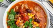 طرز تهیه سوپ مکزیکی تند، خوشمزه و ساده با مرغ و لوبیا چیتی