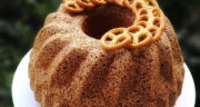 طرز تهیه کیک کنجدی نرم، خوشمزه و ساده با ماست به روش بازاری