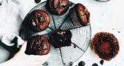 طرز تهیه کیک مافین شکلاتی ساده و خوشمزه مرحله به مرحله