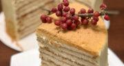 طرز تهیه کیک عسل روسی یا مدوویک ساده، خوشمزه و مجلسی