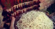 طرز تهیه رشته آشی خانگی با آرد بدون گلوتن و دستگاه