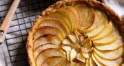 طرز تهیه تارت سیب و دارچین خانگی فرانسوی ساده و خوشمزه در فر