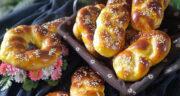 طرز تهیه نان خالا یا هالا ساده و خوشمزه با خمیر مایه و عسل