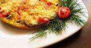 طرز تهیه املت کدو سبز خوشمزه و سالم با قارچ و گوجه فرنگی