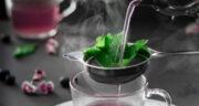 طرز تهیه چای زغال اخته و عسل خوشمزه و خوشرنگ و پرخاصیت