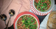 طرز تهیه سوپ انار خوشمزه و مفید با عدس و گوشت قلقلی