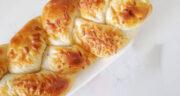 طرز تهیه نان پنیری با گردو خانگی ساده و خوشمزه با فر