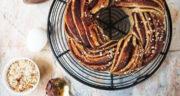 طرز تهیه نان شکلاتی حلزونی دو رنگ ساده و خوشمزه در فر