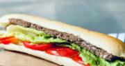 طرز تهیه ساندویچ کباب تابه ای با پنیر و سس مخصوص خوشمزه