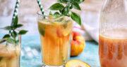طرز تهیه لیموناد هلو ساده و خوشمزه با لیموترش و آب گازدار