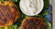 طرز تهیه برگر تن ماهی خانگی ساده و خوشمزه مرحله به مرحله