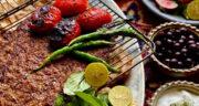 طرز تهیه کباب توری خوشمزه و مخصوص روی زغال با گوجه و فلفل