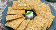 طرز تهیه نان خشک شویدی نازک و سنتی یزدی با کنجد