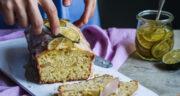 طرز تهیه کیک سیب و لیمو ساده خانگی نرم و لطیف با ماست