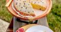 طرز تهیه کیک انگور ساده با ماست و گردو با طعم و بافتی عالی